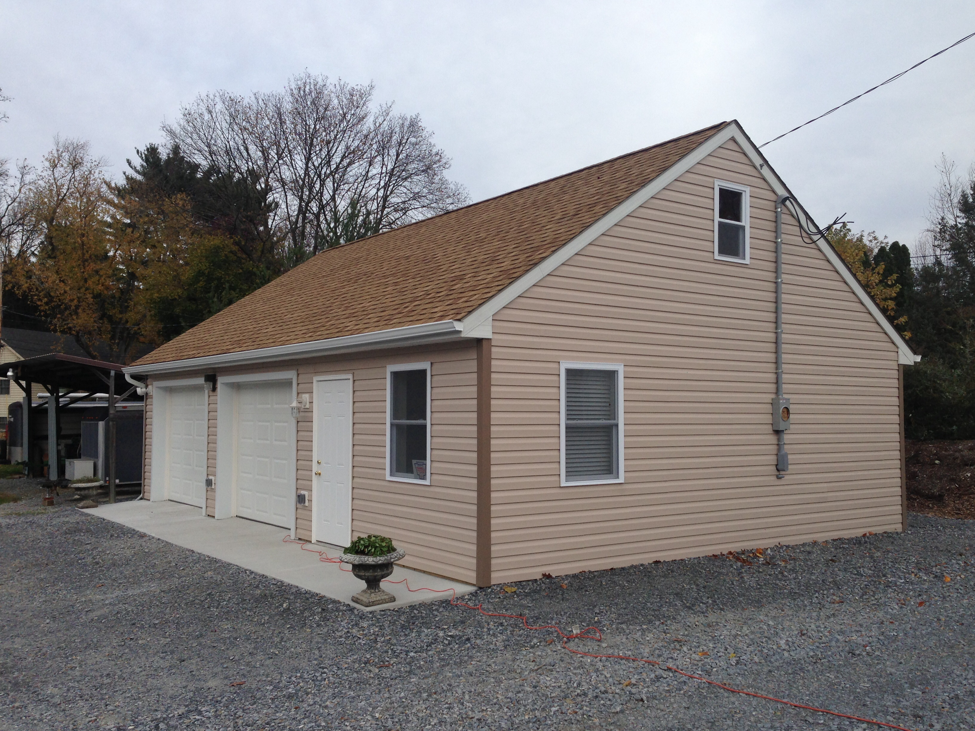 Garage With Vinyl Siding Lancaster Pole Buildings