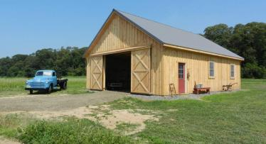 Traditional Style Pole Barn with Wood Siding in Bridgeton, NJ