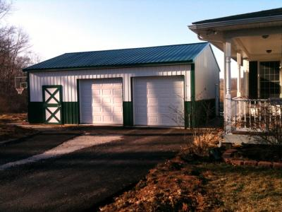 Metal siding with wainscott in Glen Rock, PA