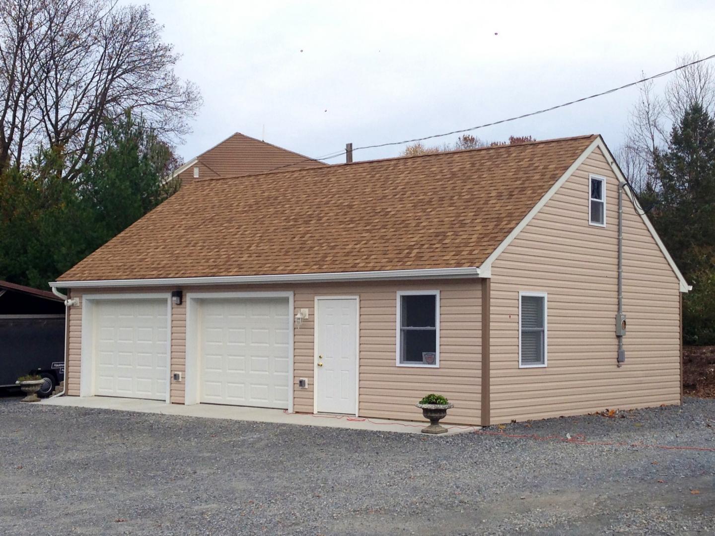 Garage With Vinyl Siding Lancaster Pole Buildings